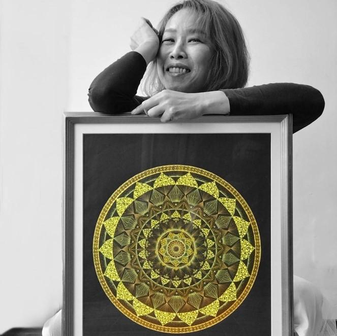 真性曼荼羅点描アート「Pointillism MANDARA」 銀座